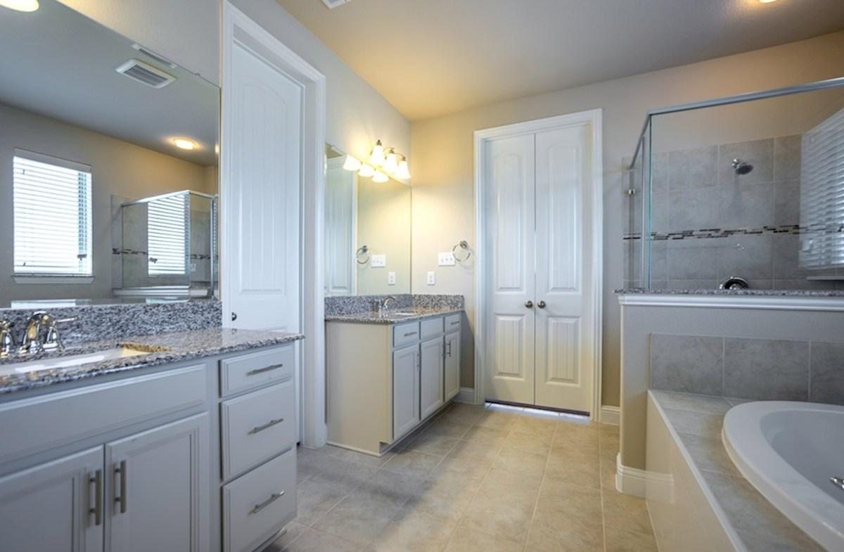 Stoney Creek Belmeade Belmeade master bathroom with two separate vanities
