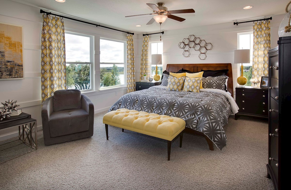Summerlake Townhomes Richmond End spacious master bedroom