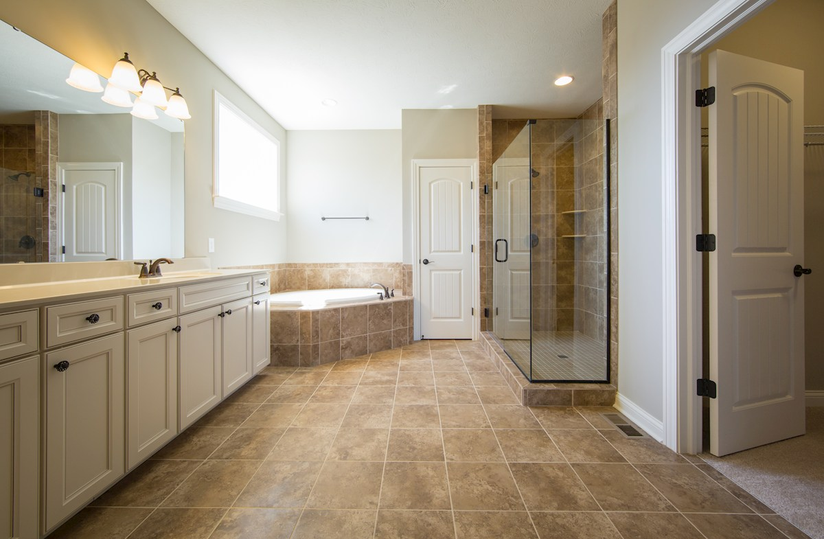 Hampshire Meridian Collection  Oakhill Soothing owner's bath for relaxing