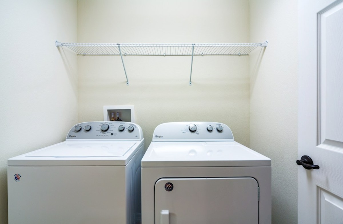 Champlain quick move-in Laundry room with washer and dryer included