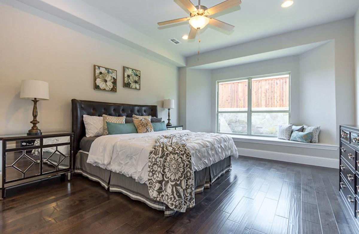 Miramonte Calais Master bedroom with window seat