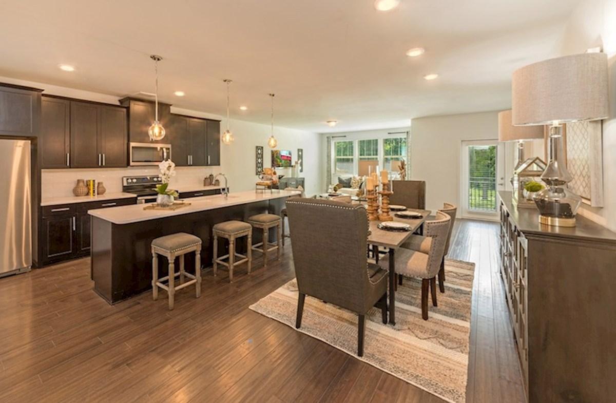 Gatherings® at Indian Lake Sherwood eat-in kitchen