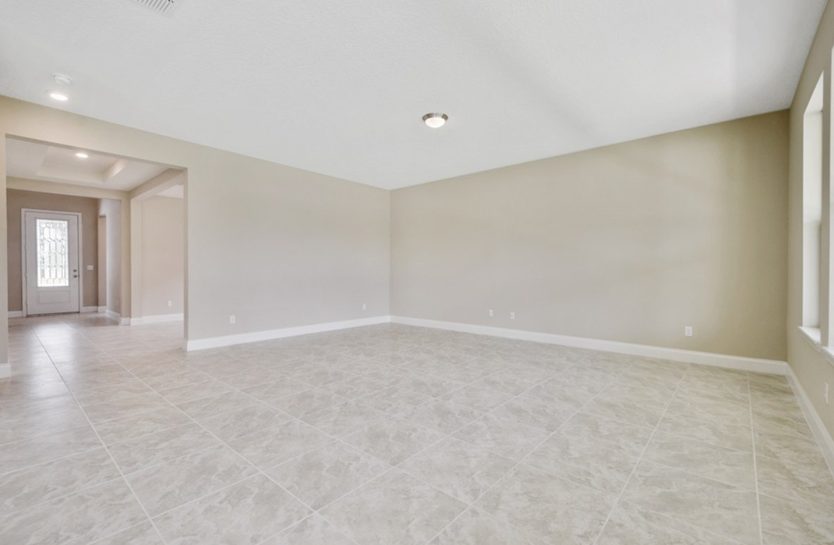 Luciana quick move-in light-filled great room