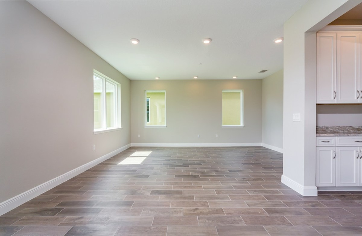 Sand Dollar quick move-in Open great room with wood-look tile