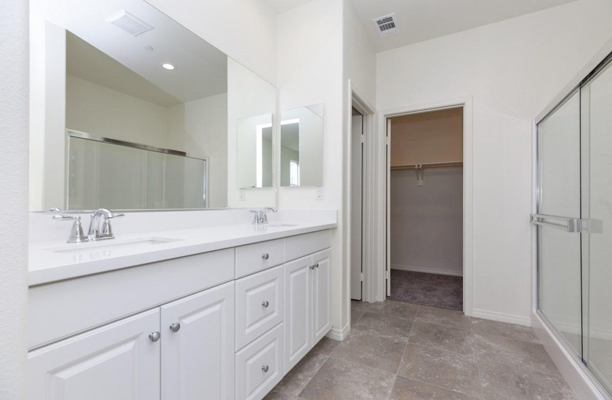 Iris quick move-in Iris master bathroom