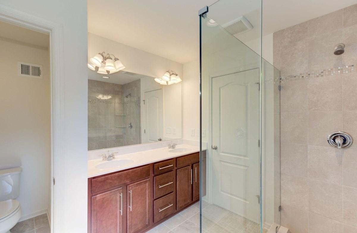 Harrison quick move-in cozy bathroom