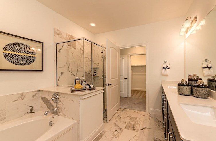 Gatherings® at Indian Lake Sherwood spa-inspired master bath