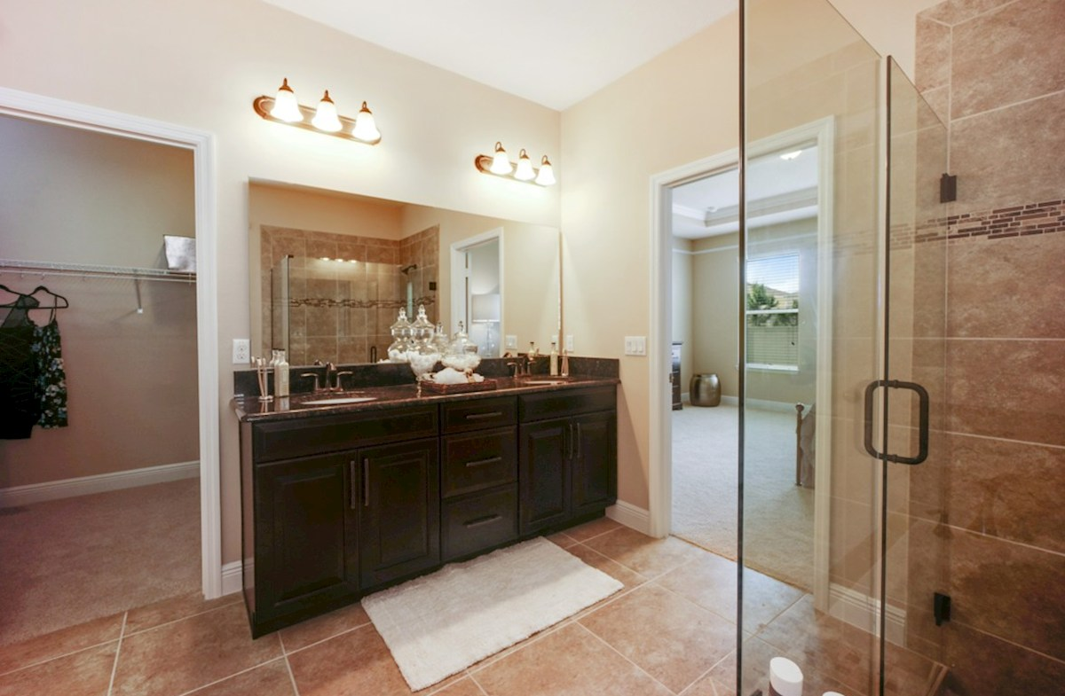 Lakeshore of Wekiva Macarthur II luxurious master bath