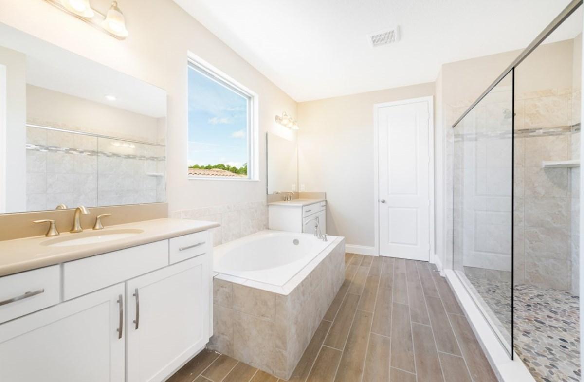 Cascade quick move-in luxurious master bath