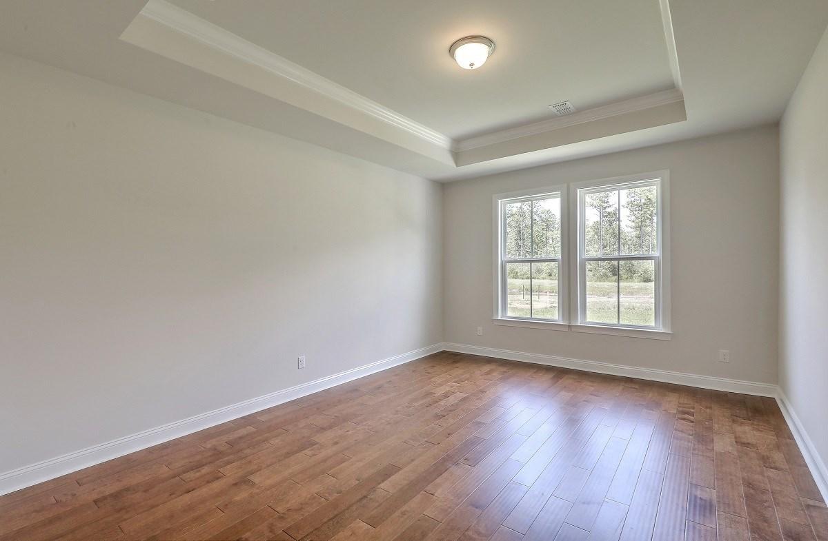 Sycamore quick move-in private master bedroom