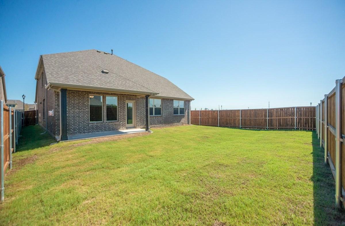 Prescott quick move-in Prescott backyard with covered patio