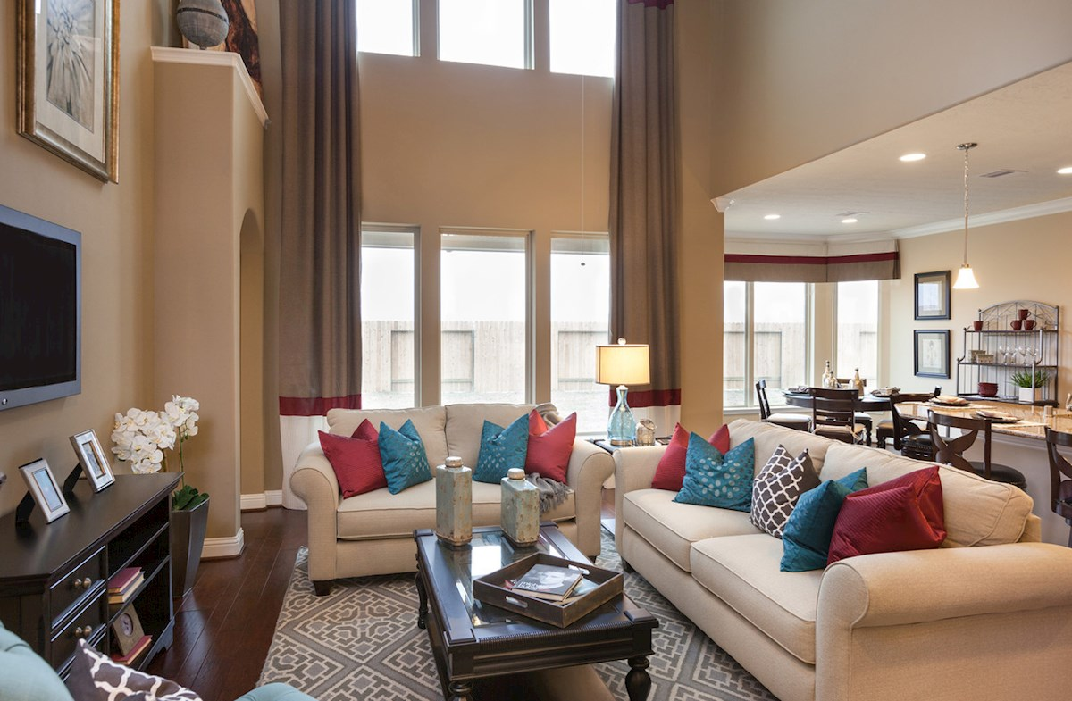 Bridgeland: Parkland Village Fenway bright family room