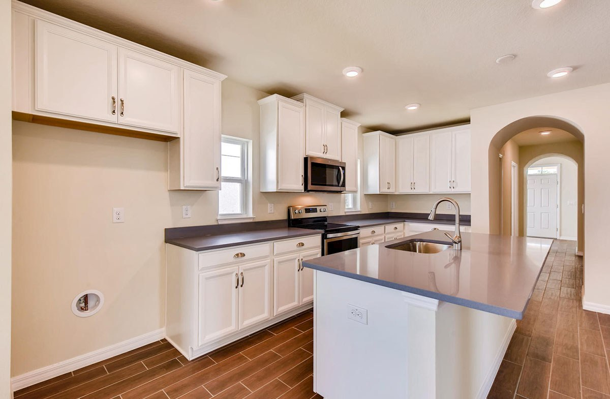 Redington quick move-in Open kitchen with center island