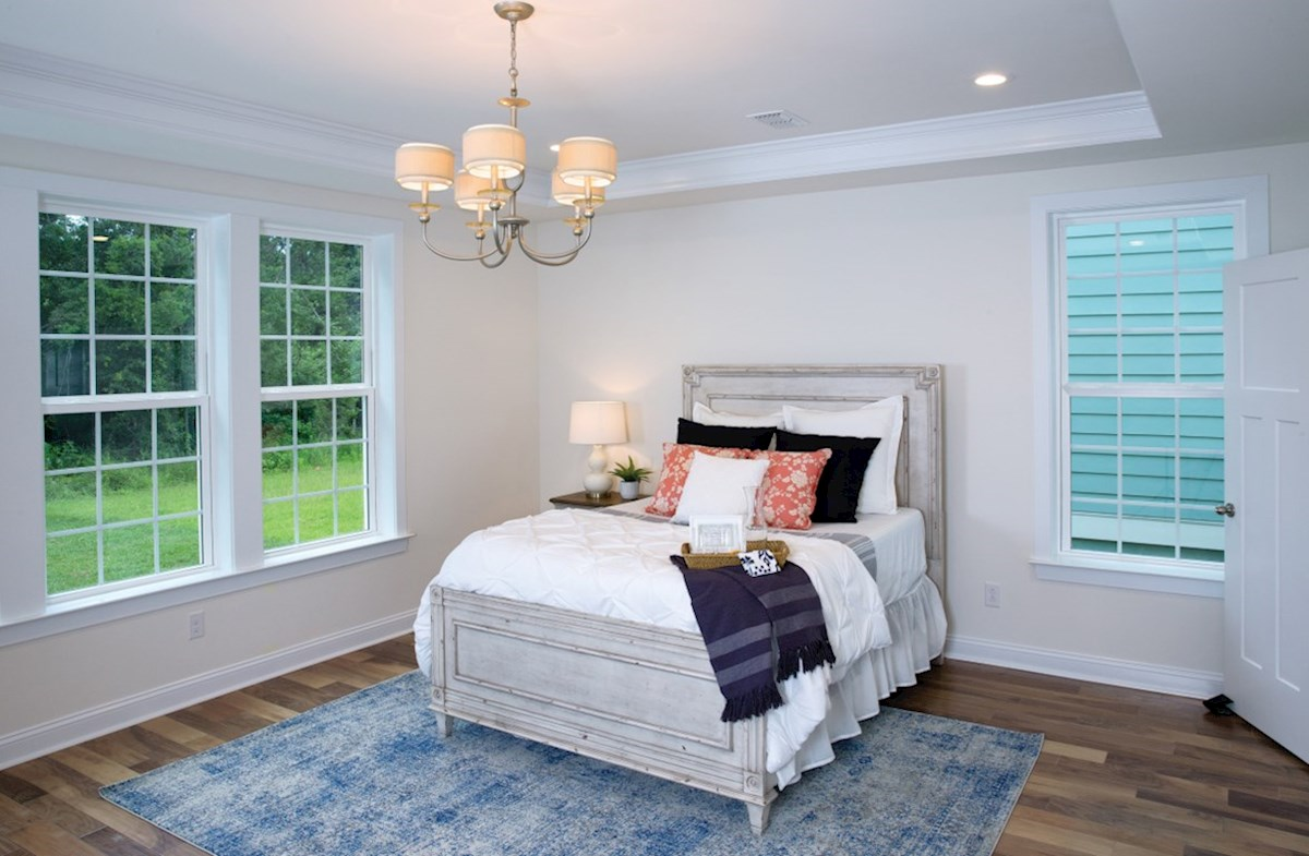Bentley Park Dogwood private master bedroom
