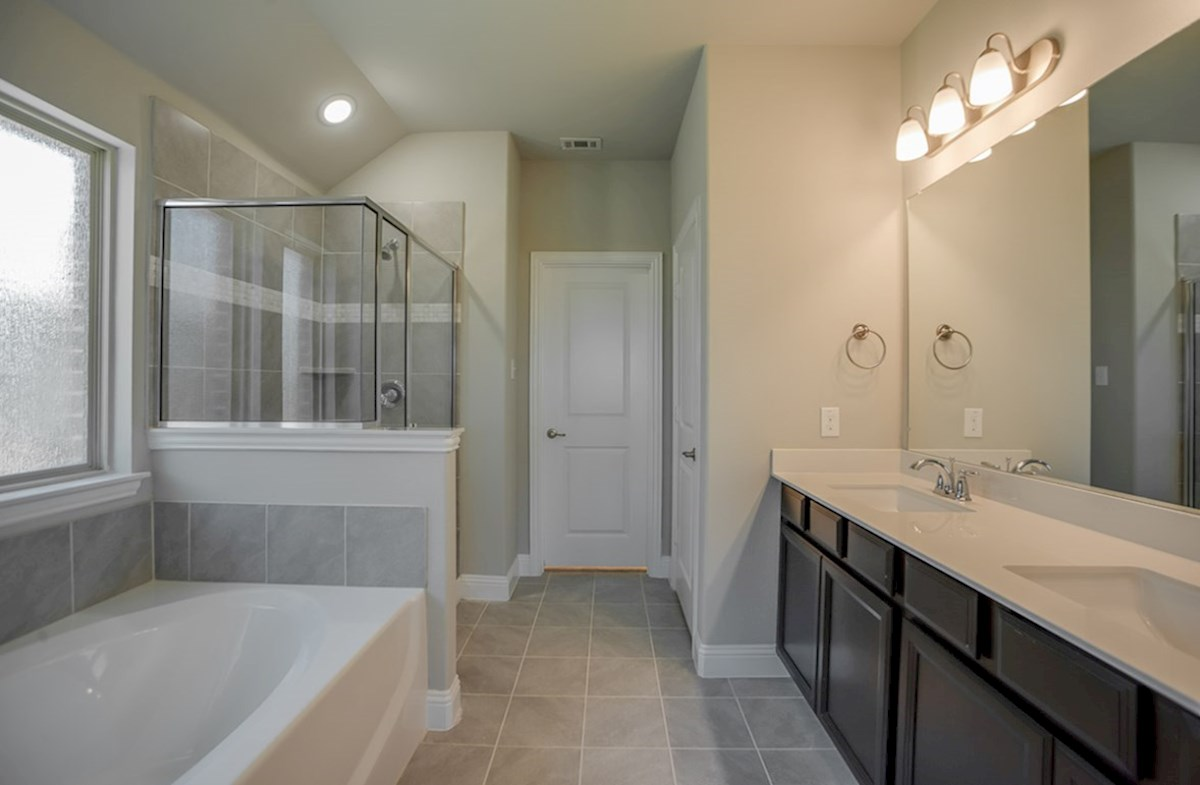 Baxter quick move-in master bath with separate tub and shower