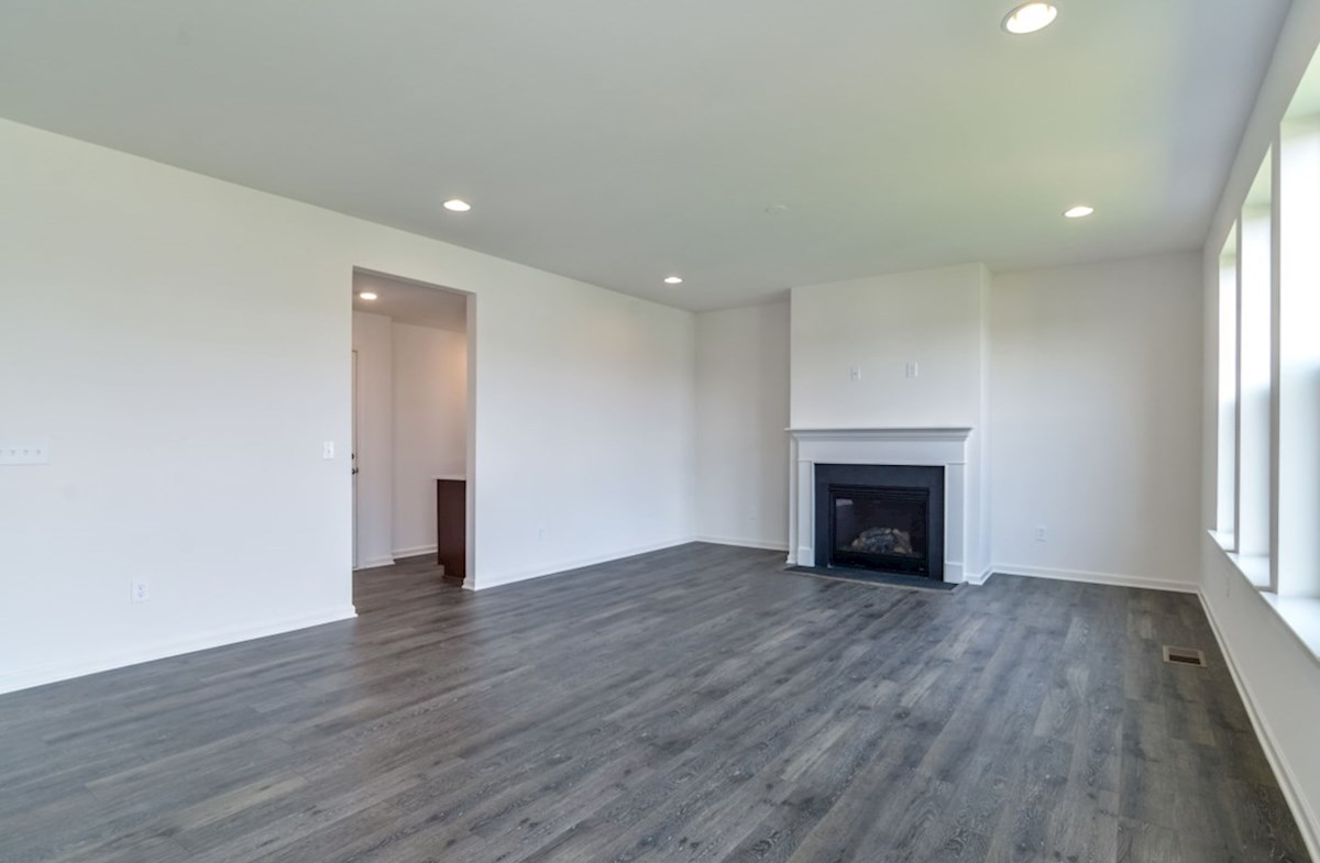 Notting Hill quick move-in open family room