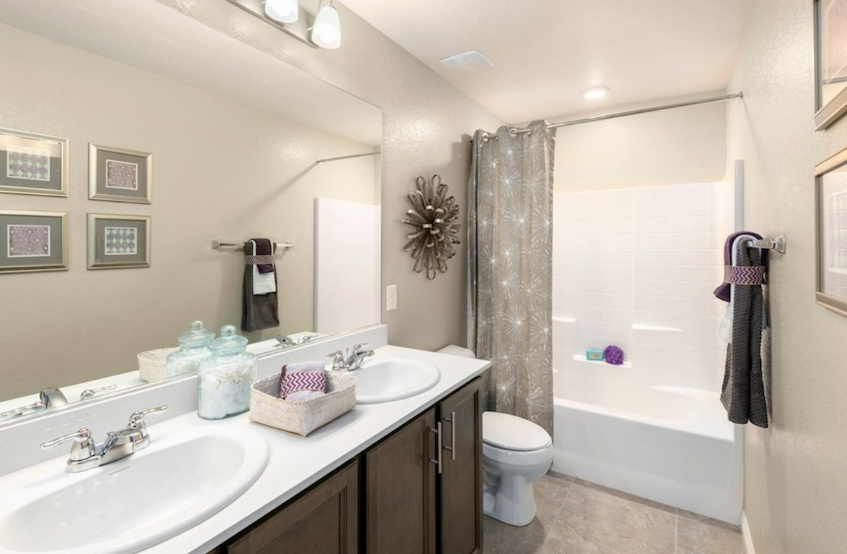 Burson Sienna convenient secondary bathroom in Sienna model
