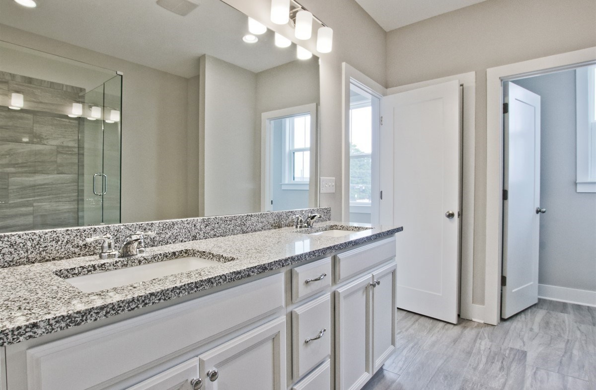 Towns at Old Mill Callahan II Master Bathroom with dual sinks