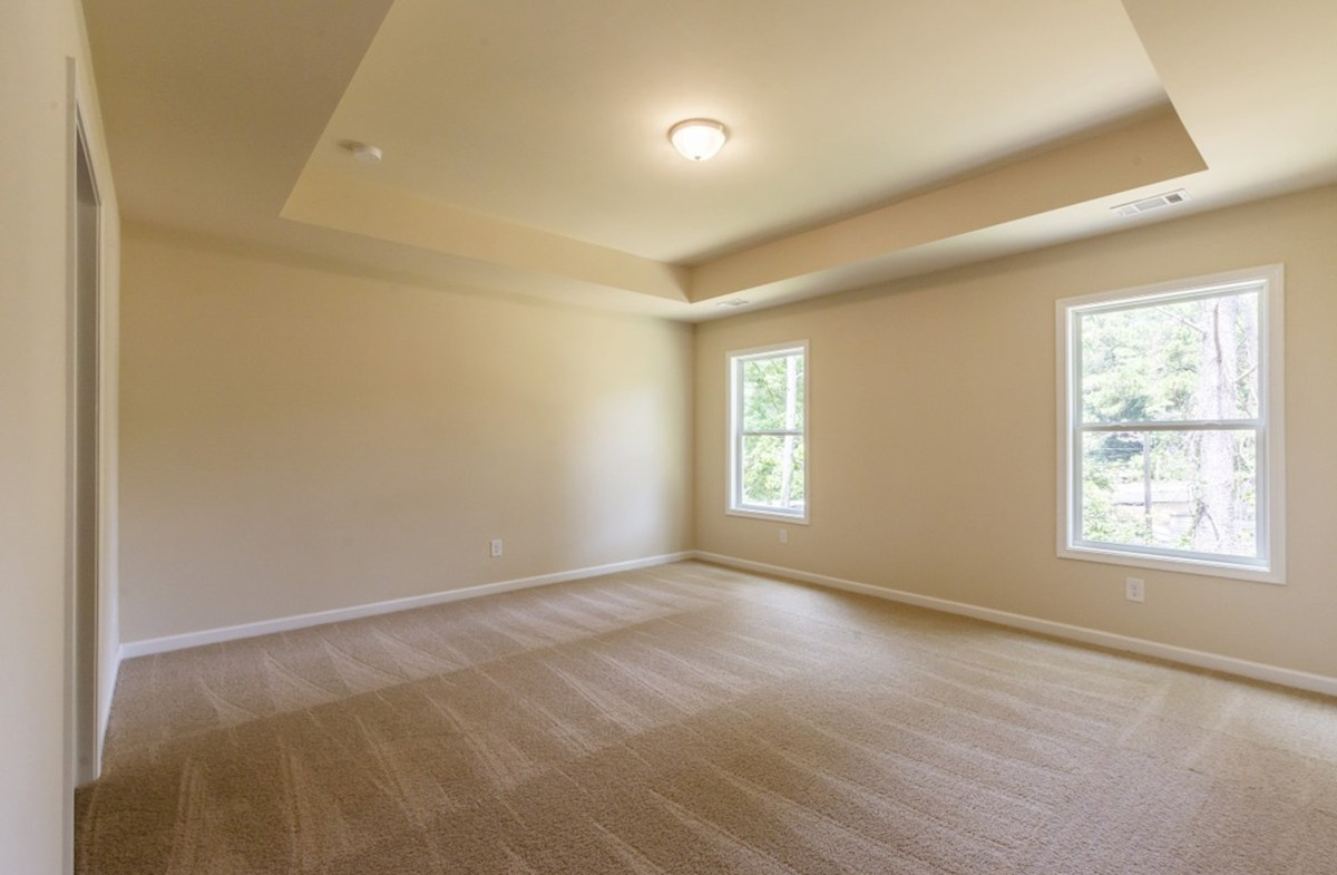Burton quick move-in Spacious Master Bedroom