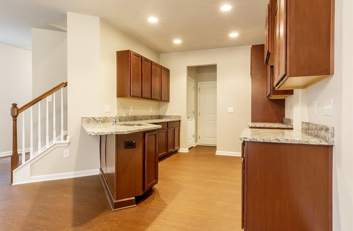 Rabun quick move-in Kitchen with granite countertops