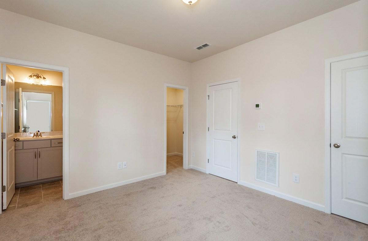 Peak 502 Hunter first floor guest bedroom