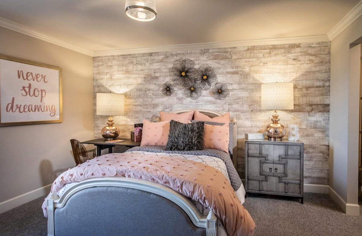 Herrington Dogwood II secondary bedroom
