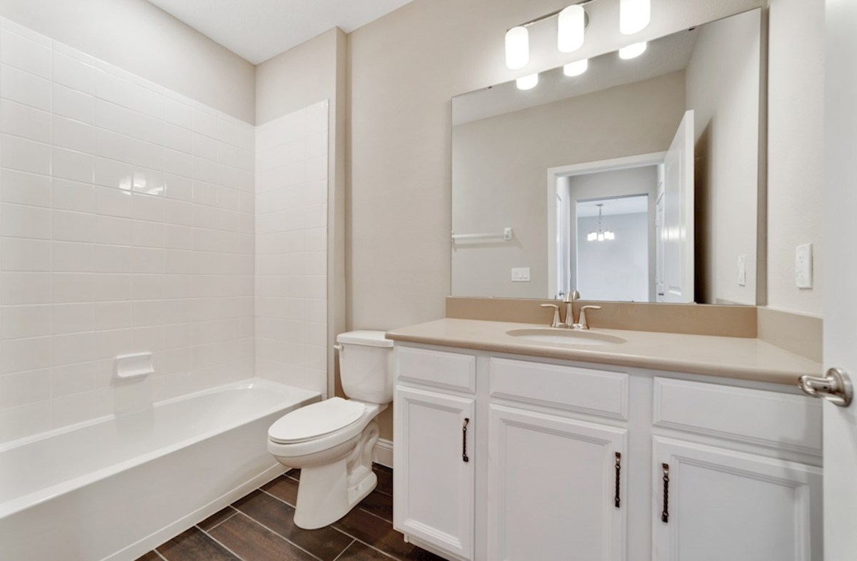 Aspen quick move-in secondary bathroom