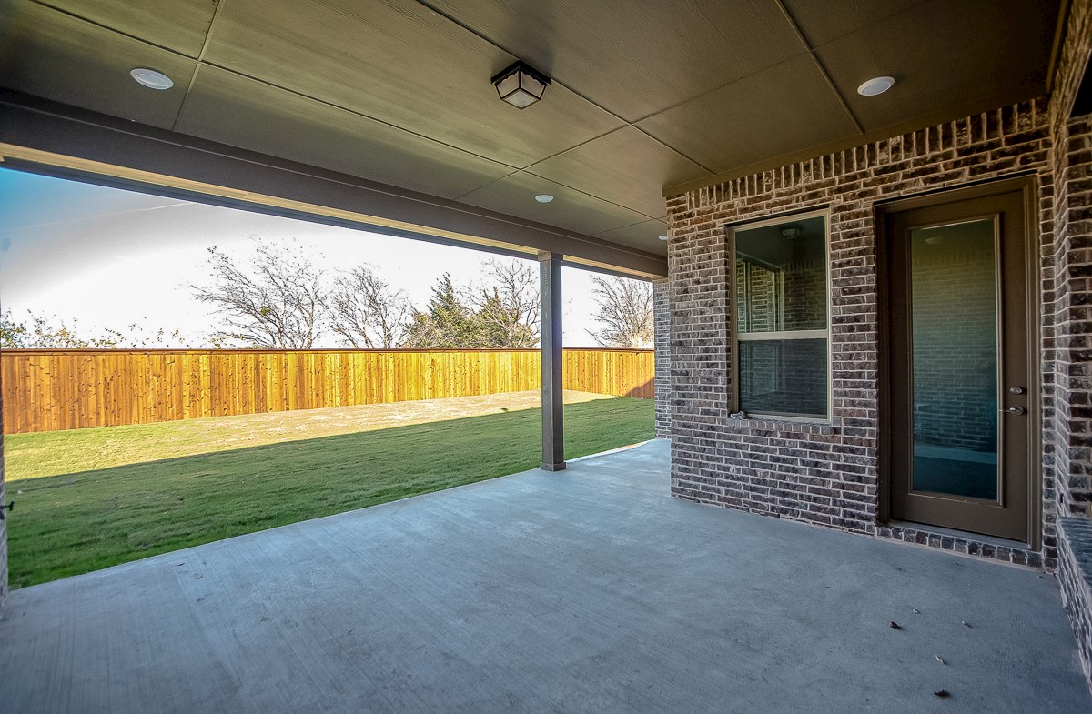 Calais quick move-in covered patio overlooking private yard