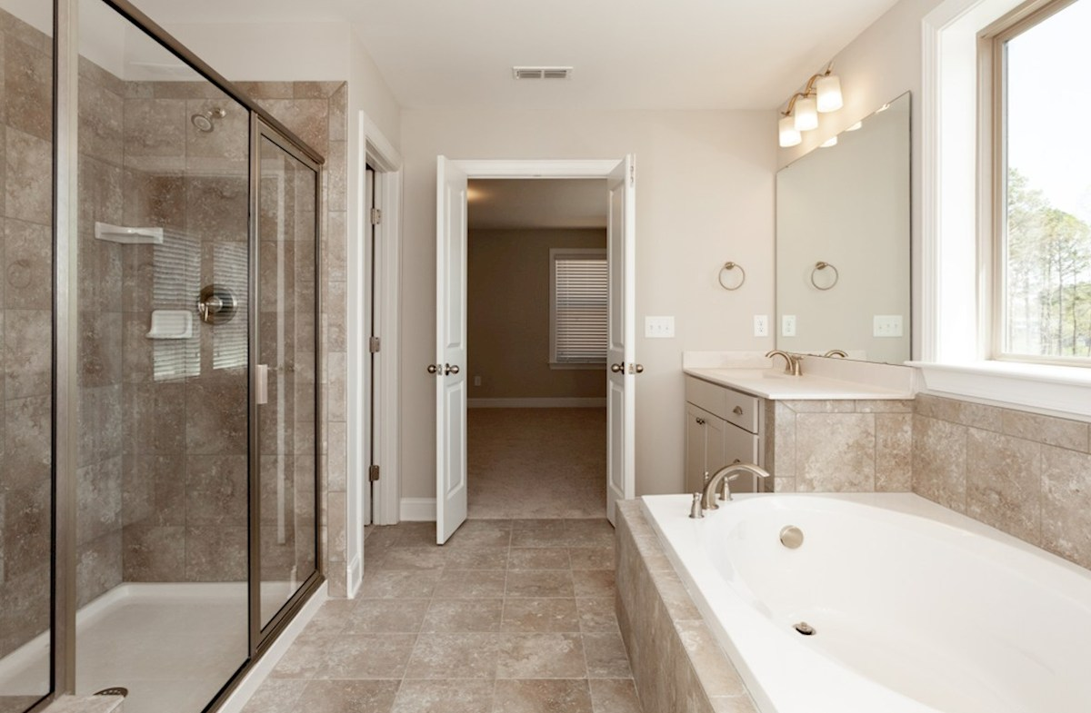 Somerset quick move-in Somerset master bath
