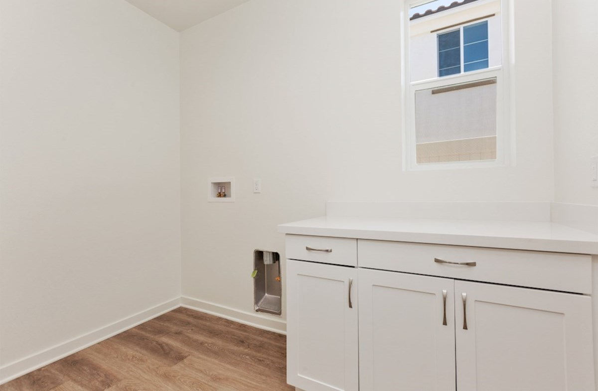 Aster X quick move-in Aster laundry room