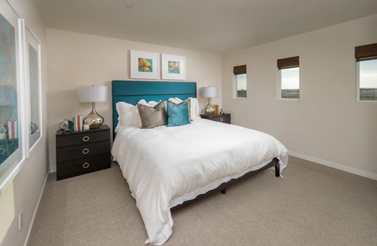 Natomas Field Residence 3 spacious master bed
