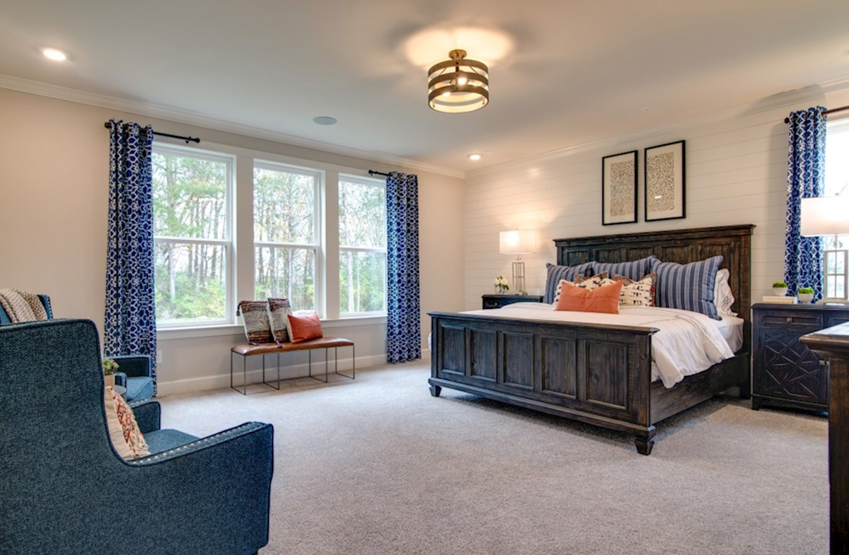 Dogwood quick move-in private master bedroom