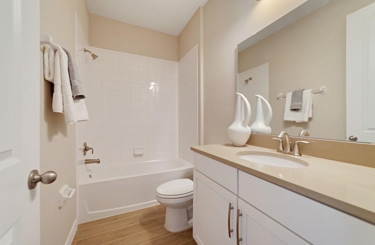 Macarthur II quick move-in secondary bathroom
