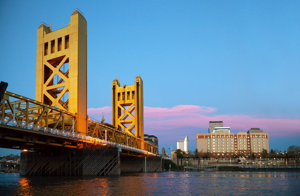 Close to the Tower Bridge & Sacramento River