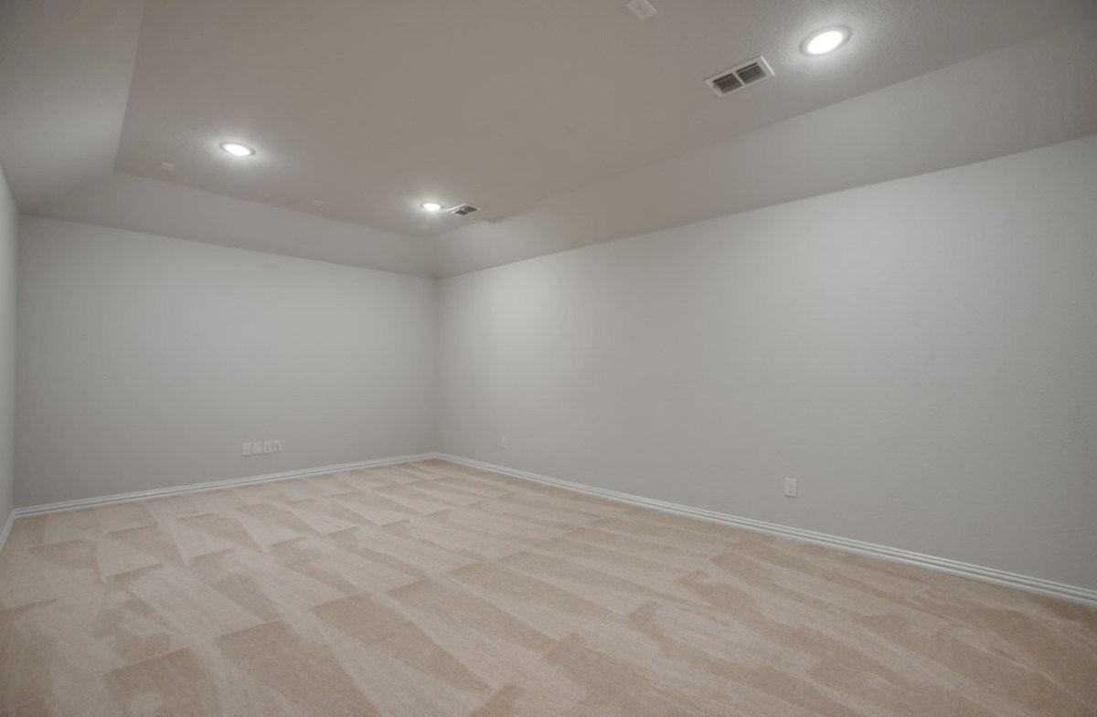 Avalon quick move-in large media room with carpet