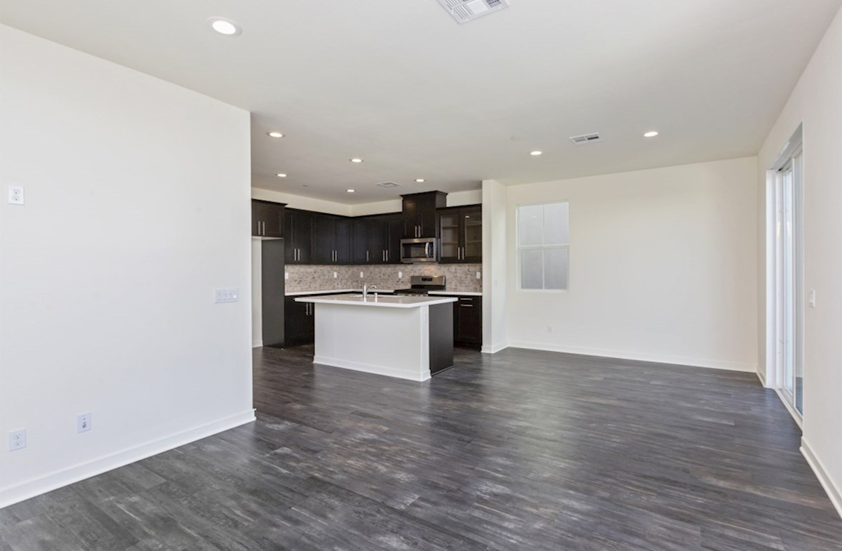 Suncup quick move-in The dining room provides the perfect space for dinner parties or special family occasions.