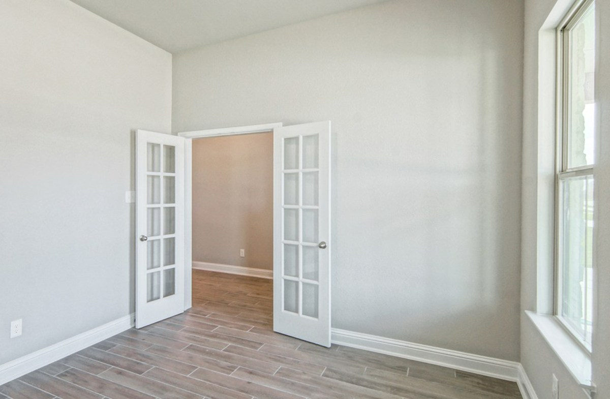 Capri quick move-in private study with French doors