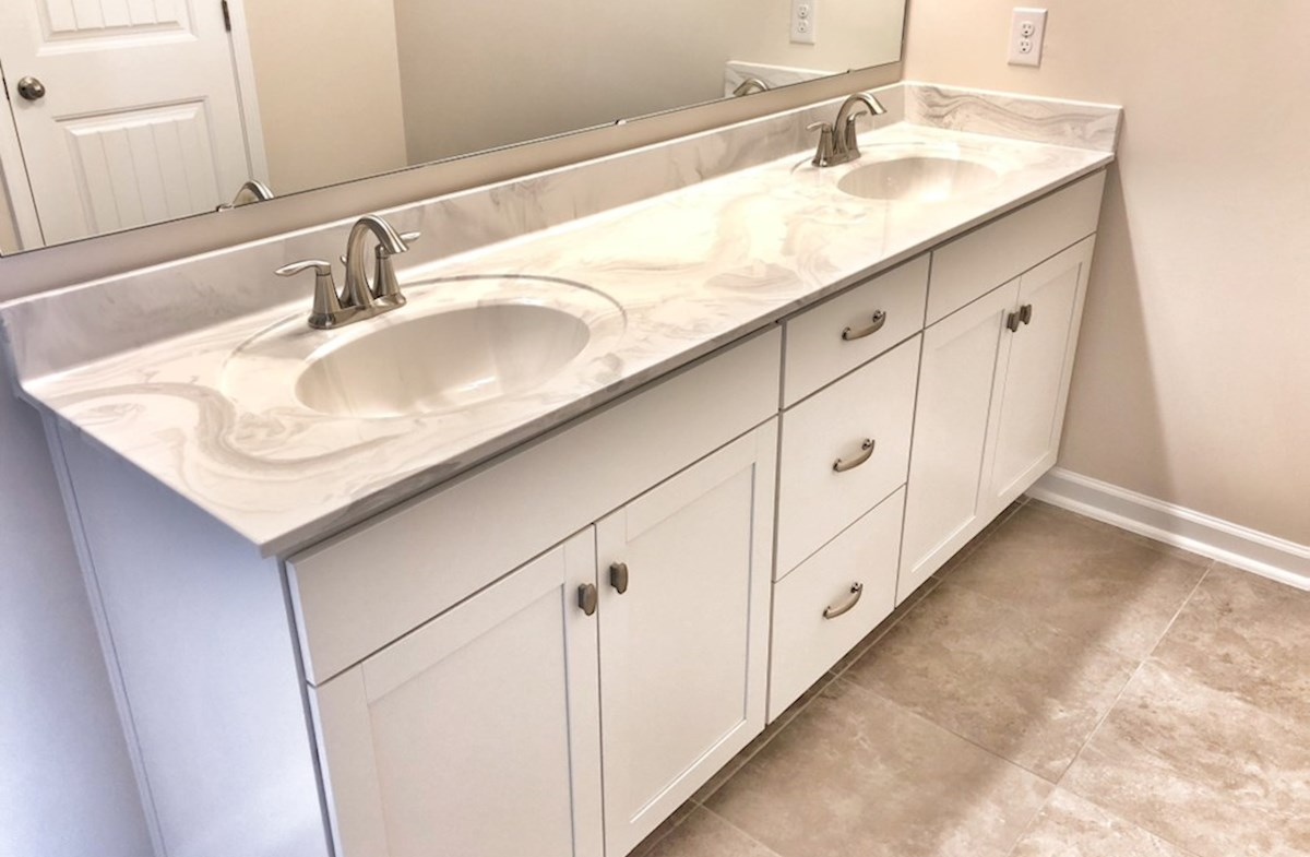 Savannah quick move-in double vanities in master bathroom
