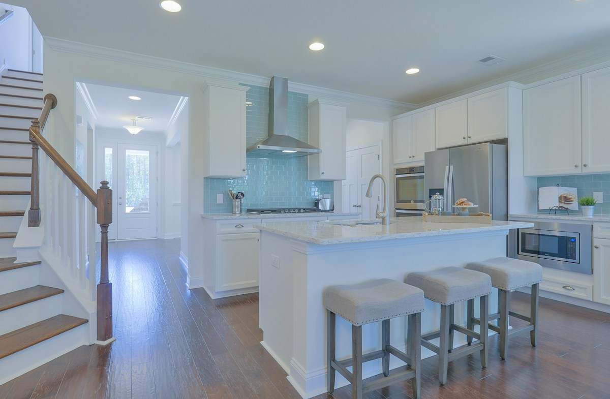 St. Thomas Preserve Tidewater large Choice Kitchen