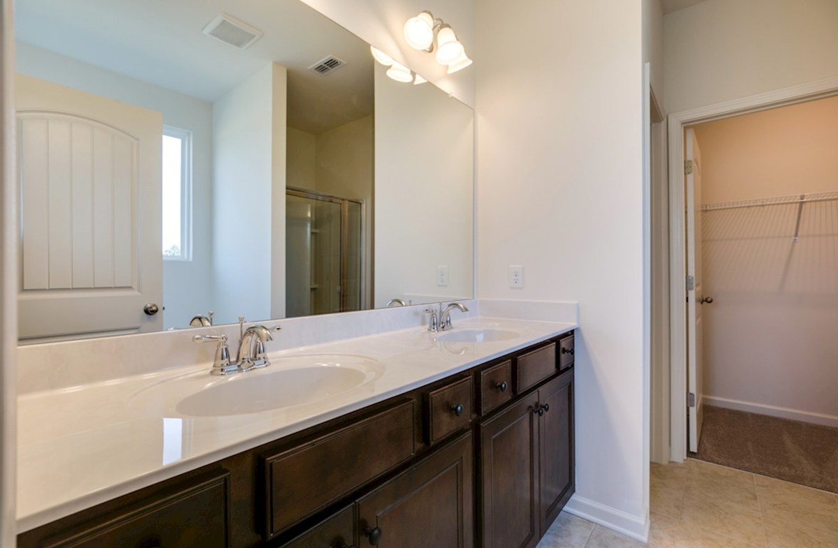Harper quick move-in spacious master bath