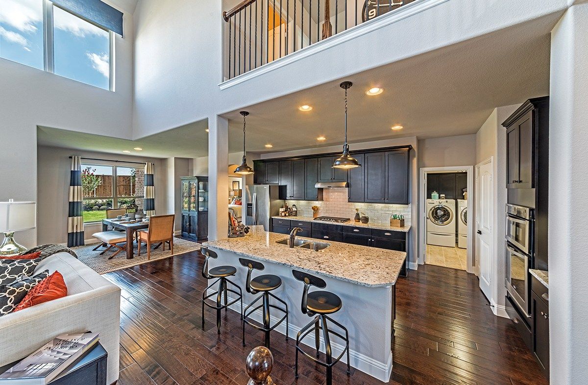 Brookhaven large kitchen with spacious island