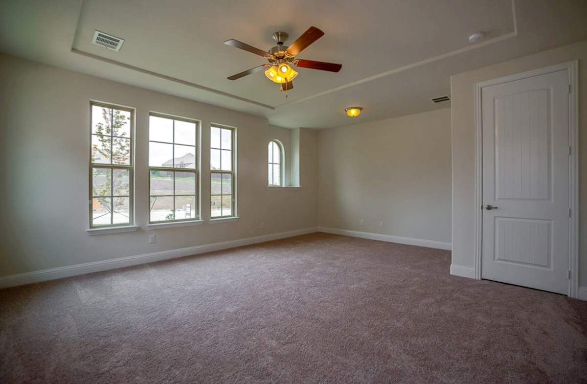 Richland quick move-in master bedroom with decorative ceilings