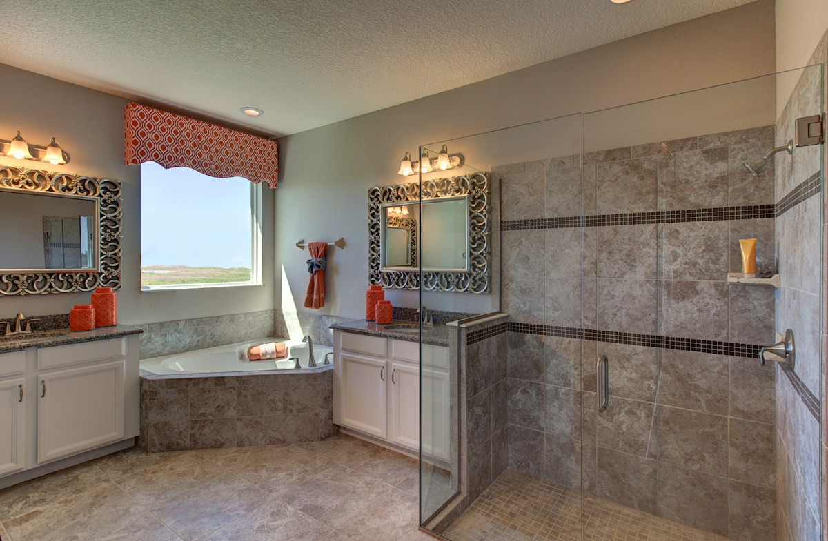 Reserve at Sawgrass Redwood luxurious master bath