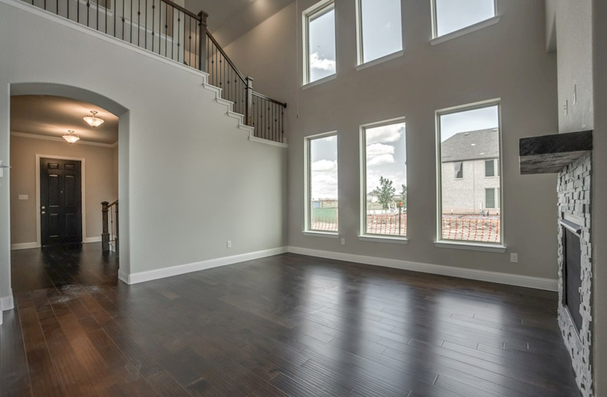 Fairfield quick move-in open great room with tall ceilings and windows