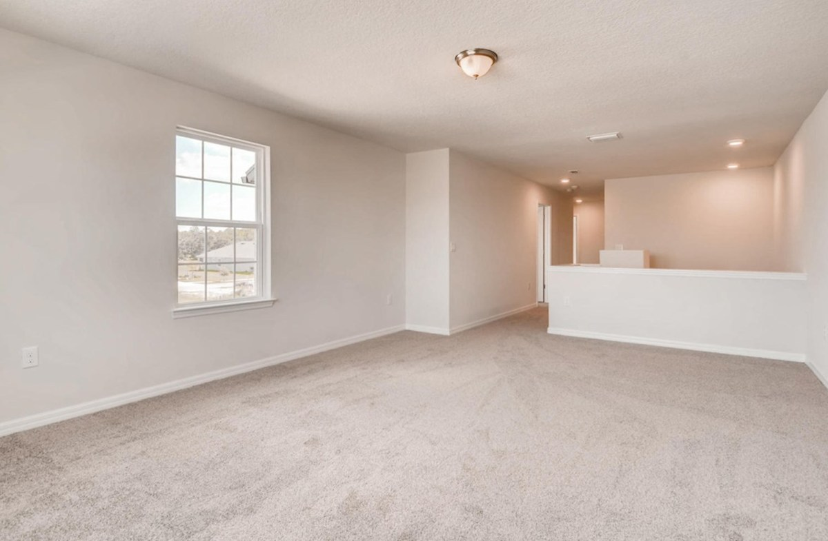 Captiva quick move-in Spacious second floor bonus room