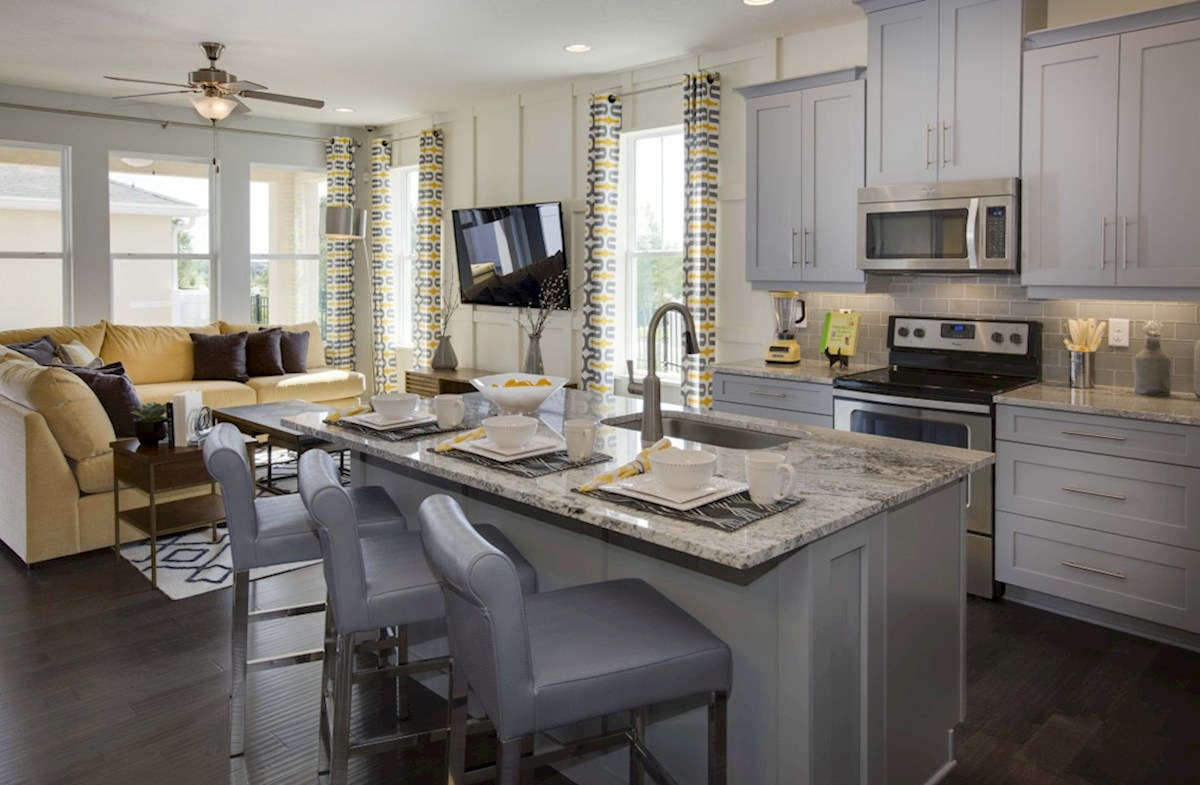Richmond End quick move-in casual dining