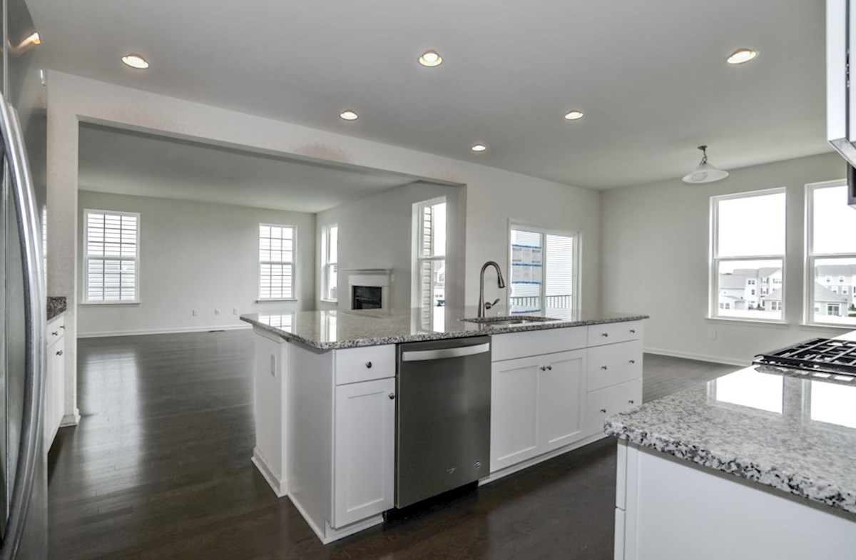 Oxford quick move-in spacious kitchen