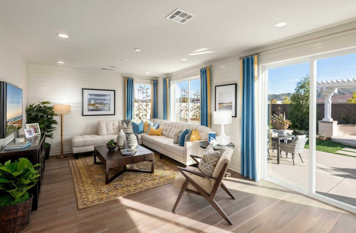 The Glen at Summerly Reserve A spacious great room is the perfect space for family bonding