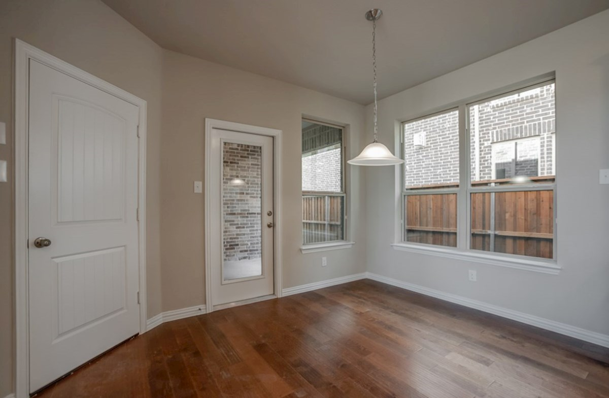 Fairfield quick move-in breakfast nook with wood floors