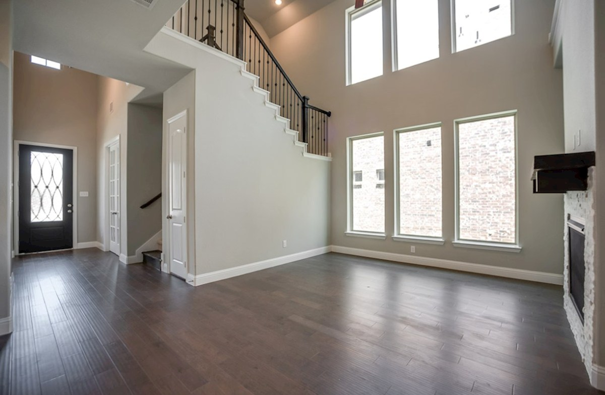 Hamilton quick move-in great room with soaring ceilings